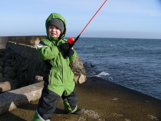 Юный рыболов