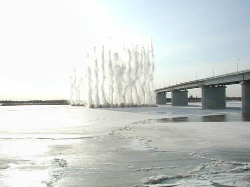 Взрыв на реке