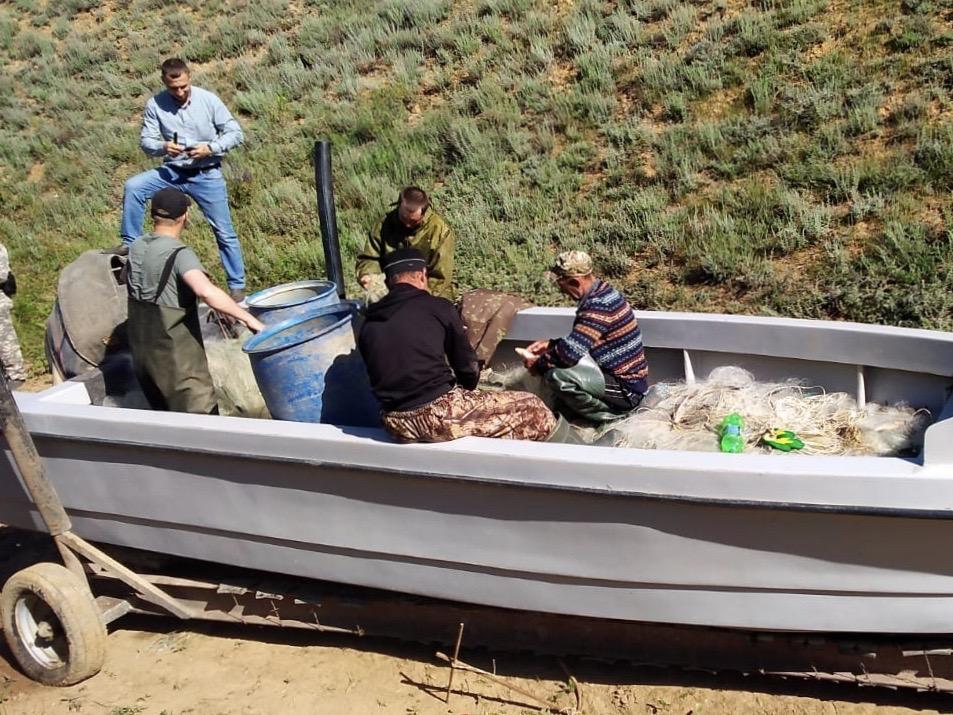 На Цимлянском водохранилище обезвредили группу браконьеров