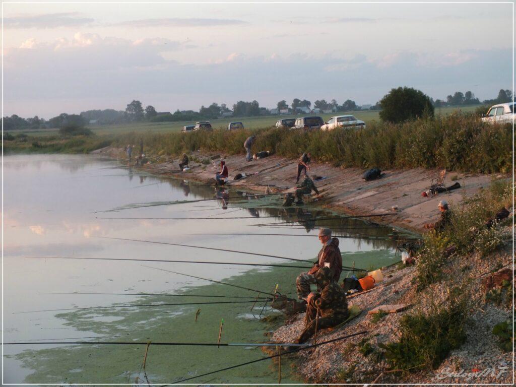 Соревнования по спортивному рыболовству. Здесь все бывает…