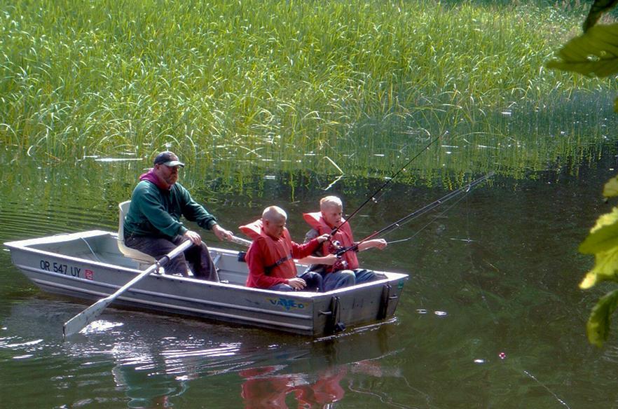 Рыбакам и охотникам напомнили правила безопасности на водоемах