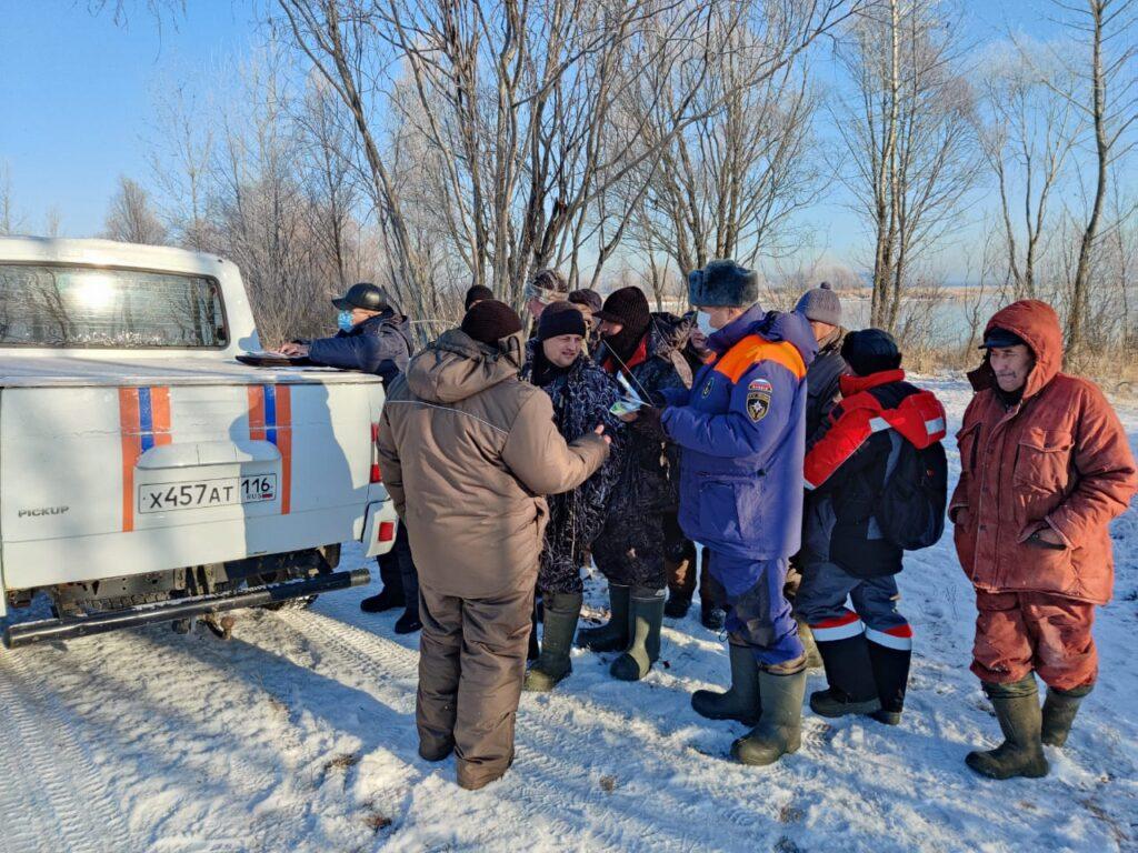 В Татарстане рыбаков штрафуют за выход на тонкий лед