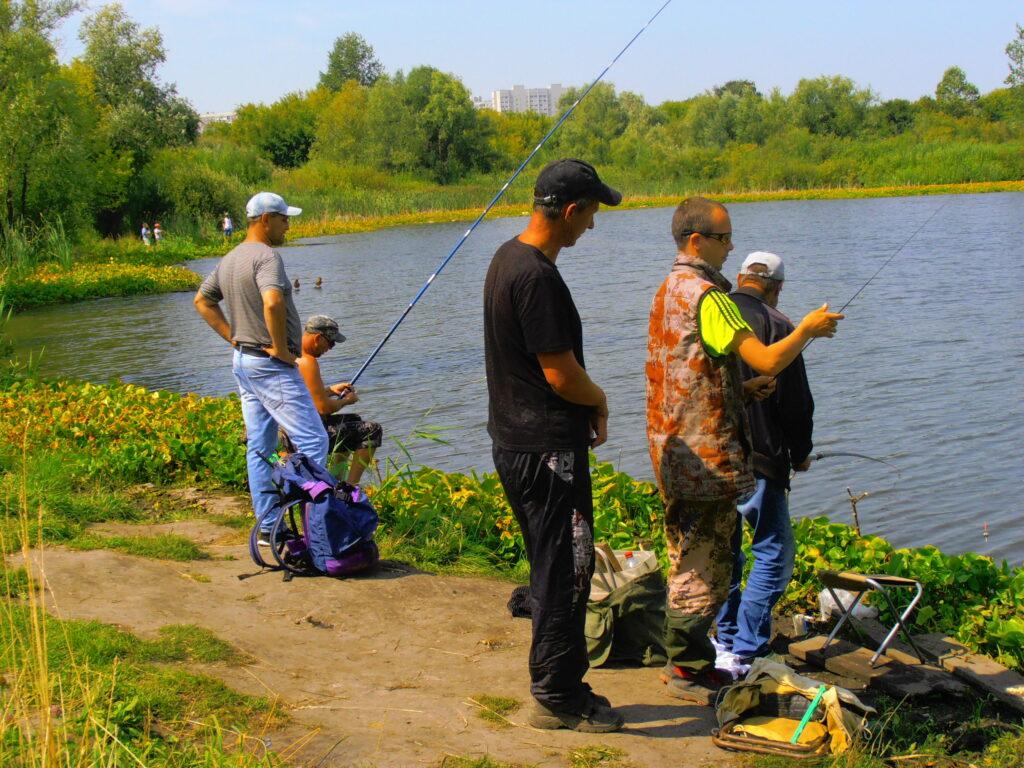 Рыбалка в Алтайском крае - 2021. Нерестовый запрет, суточная норма вылова и разрешенный размер рыбы, перечень зимовальных ям и нерестовых участков