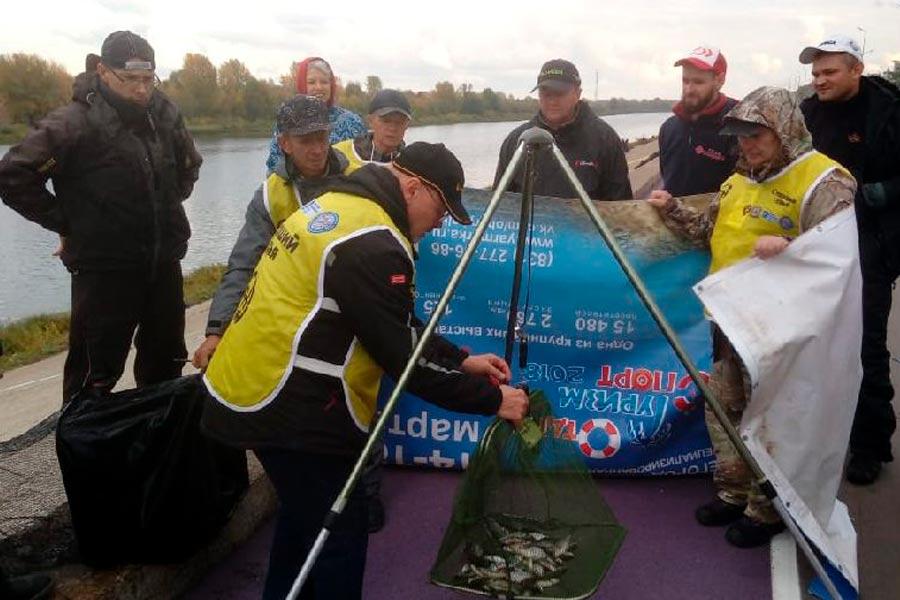 Определены чемпионы России по ловле поплавочной удочкой