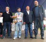 nagrazhdenie pobeditelya sorevnovaniya. foto s sayta bryanskobl.ru